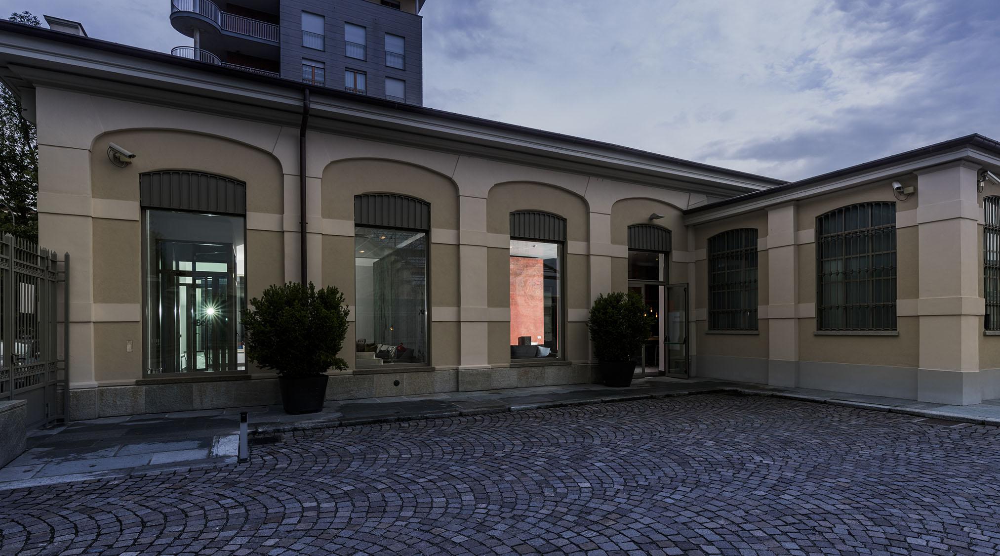 Berto Salotti都灵展厅停车场